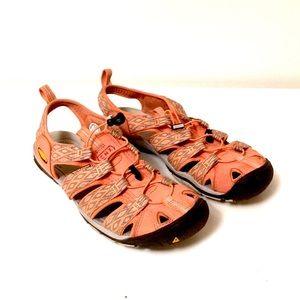 Keen CNX Waterproof Sandals 10.5 women EUC salmon